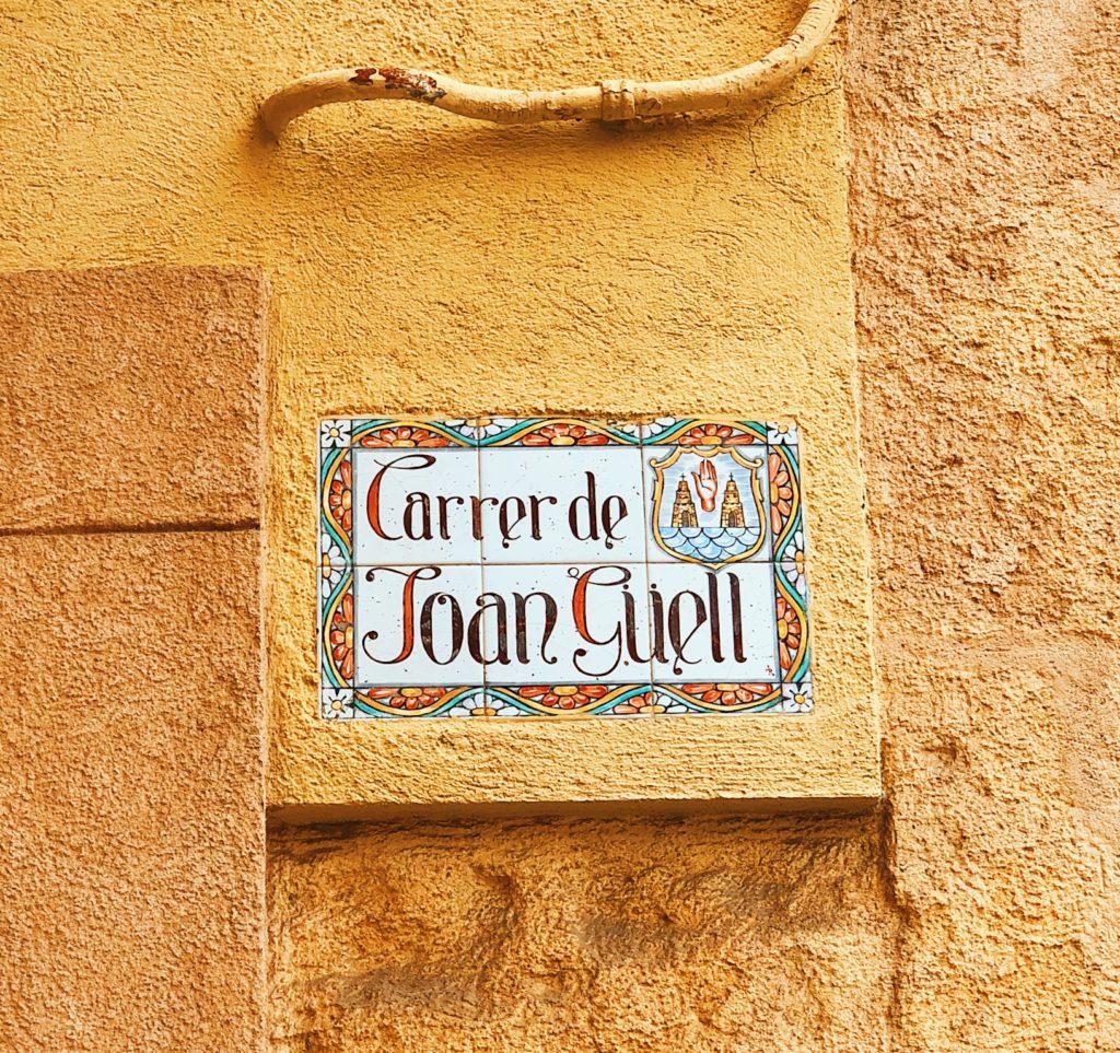 Spansk gatskylt i Torredembarra