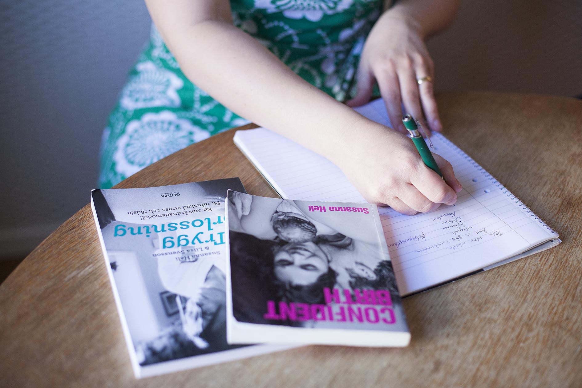 Barnmorska, skribent, skriver texter