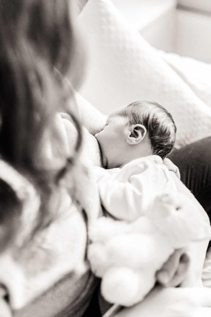 Amning nyfödd